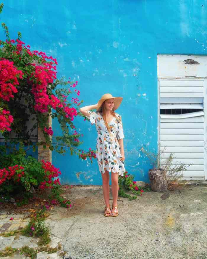 Best cruise dresses for women   how to pack for a cruise