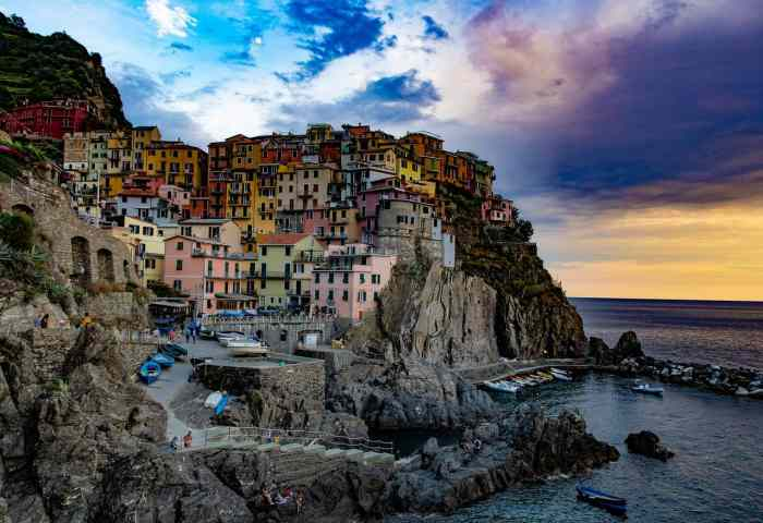 Best places to stay and things to do in Cinque Terre's Manarola