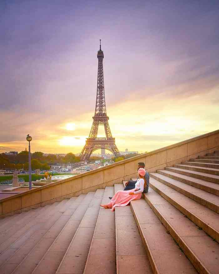 The trocadero stairs are a magical place for sunrise in Paris