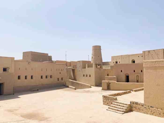 Bahla fort is one of the best things to do in Oman
