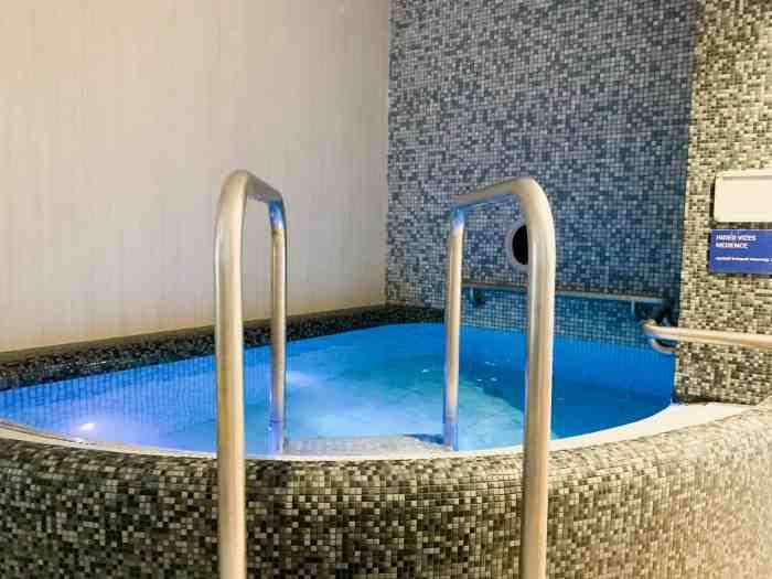 Cold plunge pool at Rudas Baths Budapest