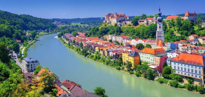 One of the biggest castles in Germany by length, Burghausen Castle is over 1000 meters long and sits along the Salzach River
