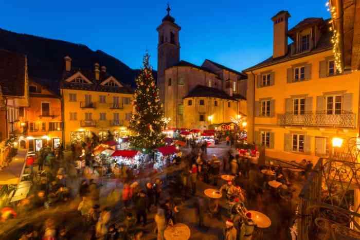 Una vista panorámica del mercado navideño de Santa Maria Maggiore