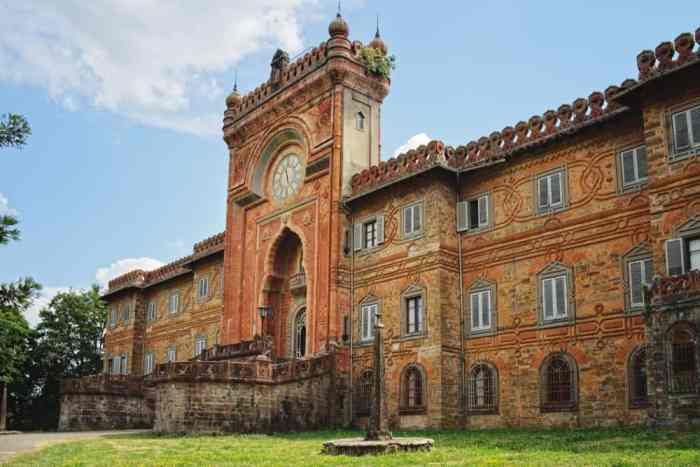 Castello di Sammezzano is an stunning castle in Tuscany