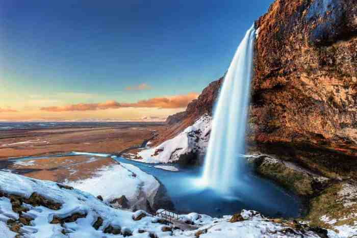 you can enjoy perpetual sunset daylight hours in iceland in November
