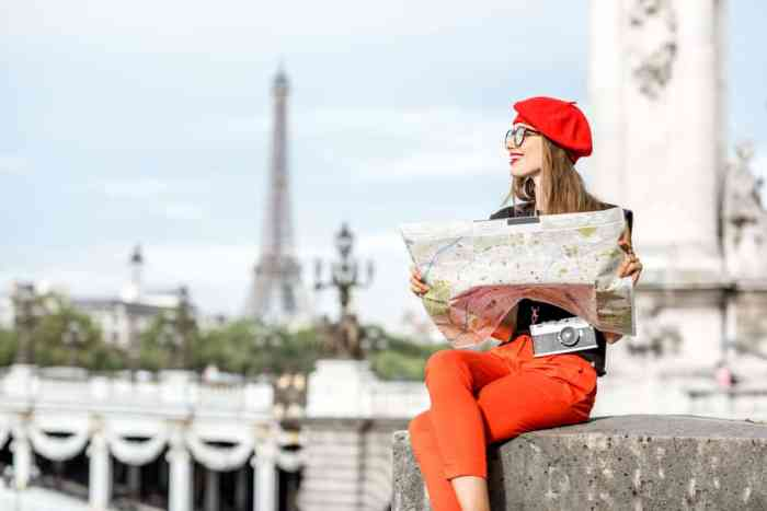 Add jackets to your Paris packing list to be comfortable at all times-- stylish too!