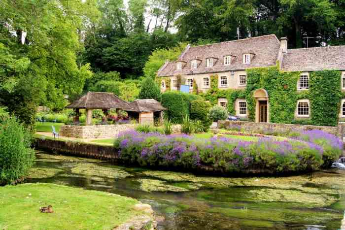 Cotswolds Villages are great to visit in spring when everything is in full bloom! Those gardens are gorgeous.