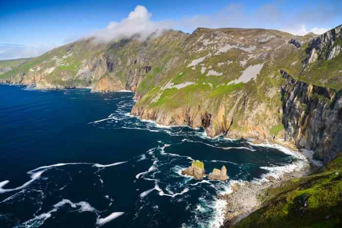 Don't miss the pilgrim's path at Slieve league on your hikes in Ireland