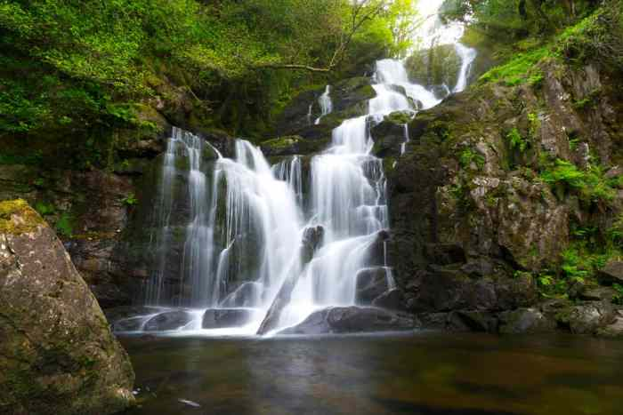 if you do not have time for the Muckross Lake Loop stop at the nearby Torc Waterfall which is one of the easiest hikes in Ireland