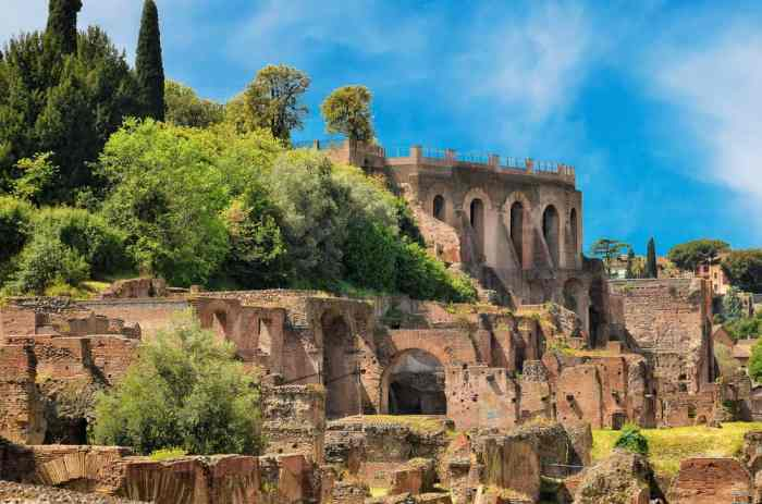 The greenery of Palatine Hill is a wonderful, restful stop for tourists!