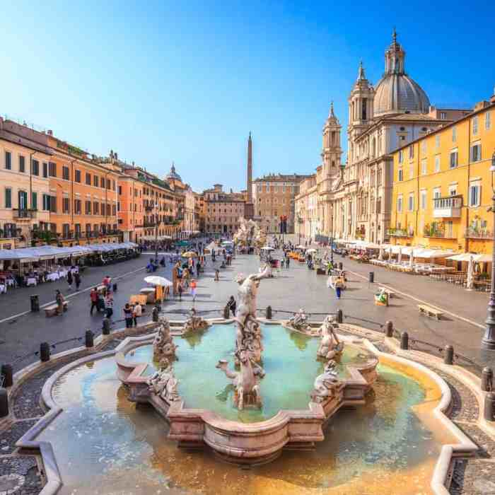 The Piazza Navona in Rome is a square with lots of monuments and true Roman architecture.