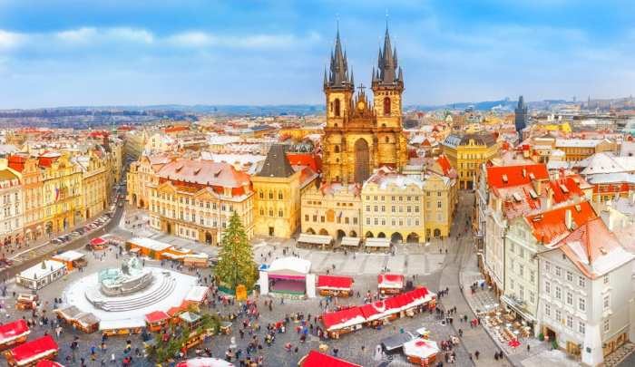 This Christmas market in Prague is set in the historical Old Town