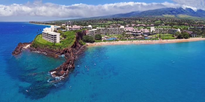 Kaanapali Beach is resort city and where to stay in Maui