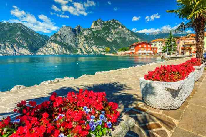 10 Prettiest Lakes In Italy You Must See - Follow Me Away
