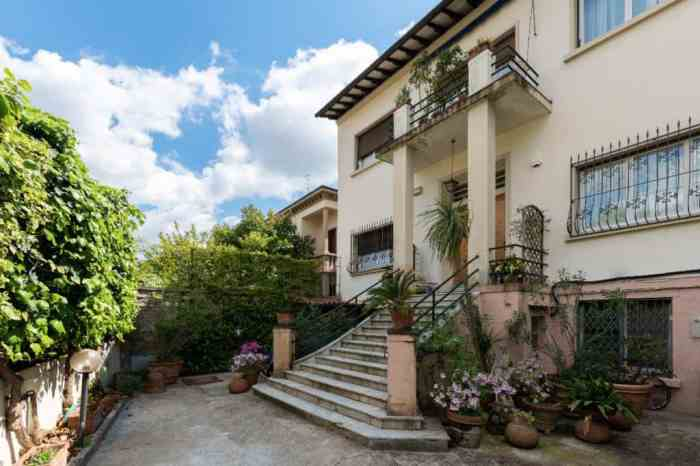 Stay at Maison Flora if you're looking for Tuscany villas in Florence