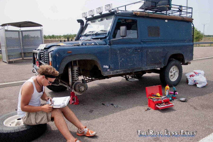 Snapped brake pipe on Land Rover Defender