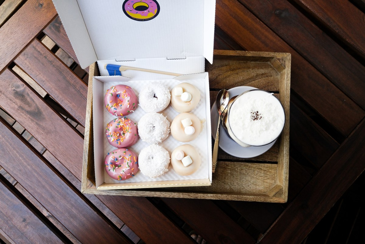 Ferry Roasters: Mini Donuts and Coconut Cream Coffee in Gyeongridan