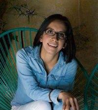 Veterinarian and Alianza Sterilization Clinic Director, Dr. Diana Morals