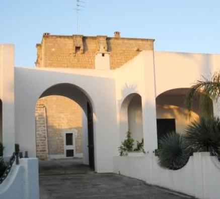 Santa Maria al Bagno - Nardò (Lecce), masseria Fiume, ingresso principale