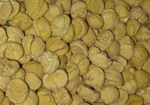 Le castagne secche, pastiddhe per i Salentini