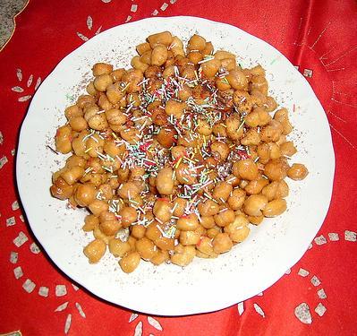 I caratteristici dolci salentini del Natale: purciddhuzzi e cartiddhate
