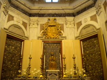 cappella cattedrale otranto con teschi 2