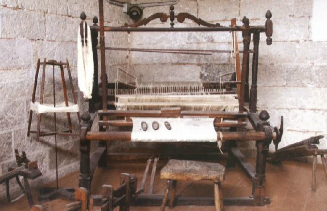 immagine tratta da http://www.vizionario.it/wp-content/uploads/2012/01/Antico-telaio-salentino.jpg