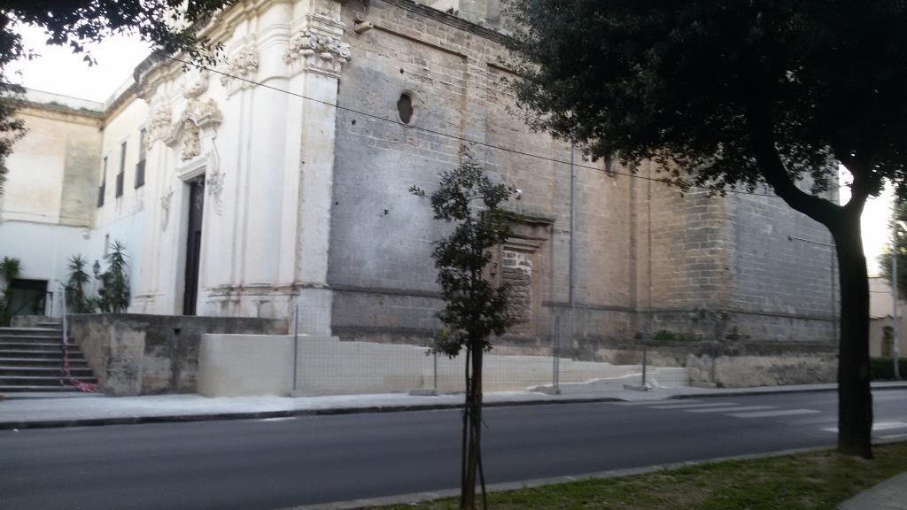 Nardò. Una discutibile rampa a ridosso della chiesa dei Paolotti