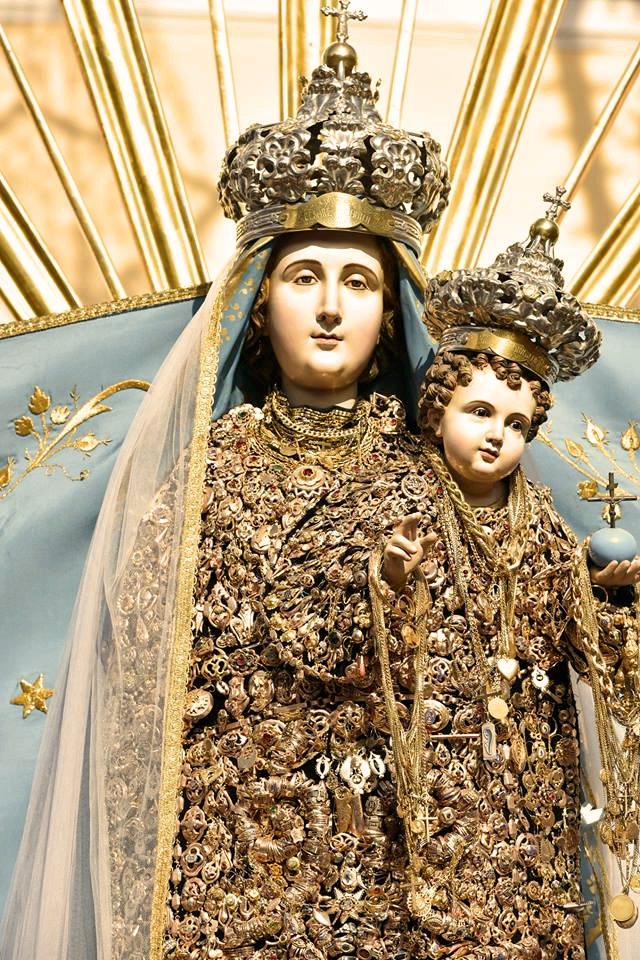 "Surbo e la sua ""Madonna vestita d'Oro"""