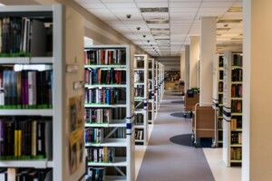 library-488687_1920