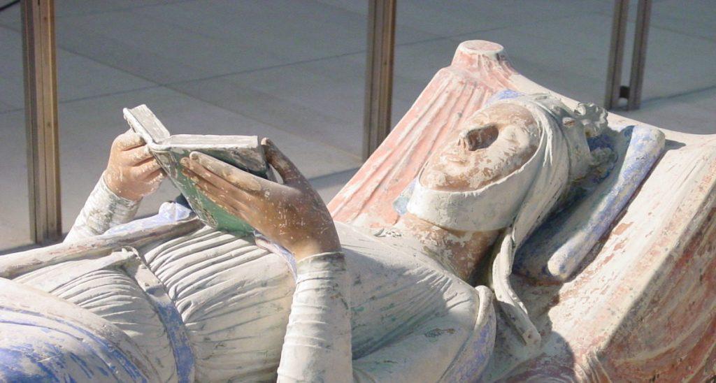 Gisant d'Aliénor d'Aquitaine - Livre - Plantagenêt - Abbaye Royale de Fontevraud