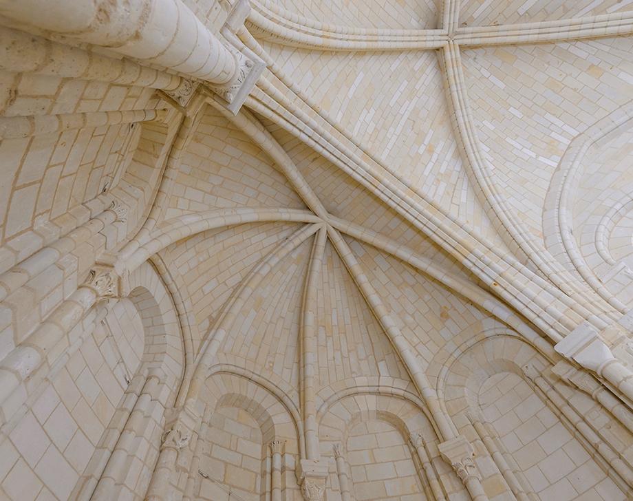 Sous Les Voutes Chapelle Saint Benoit Photo Léonard De Serres