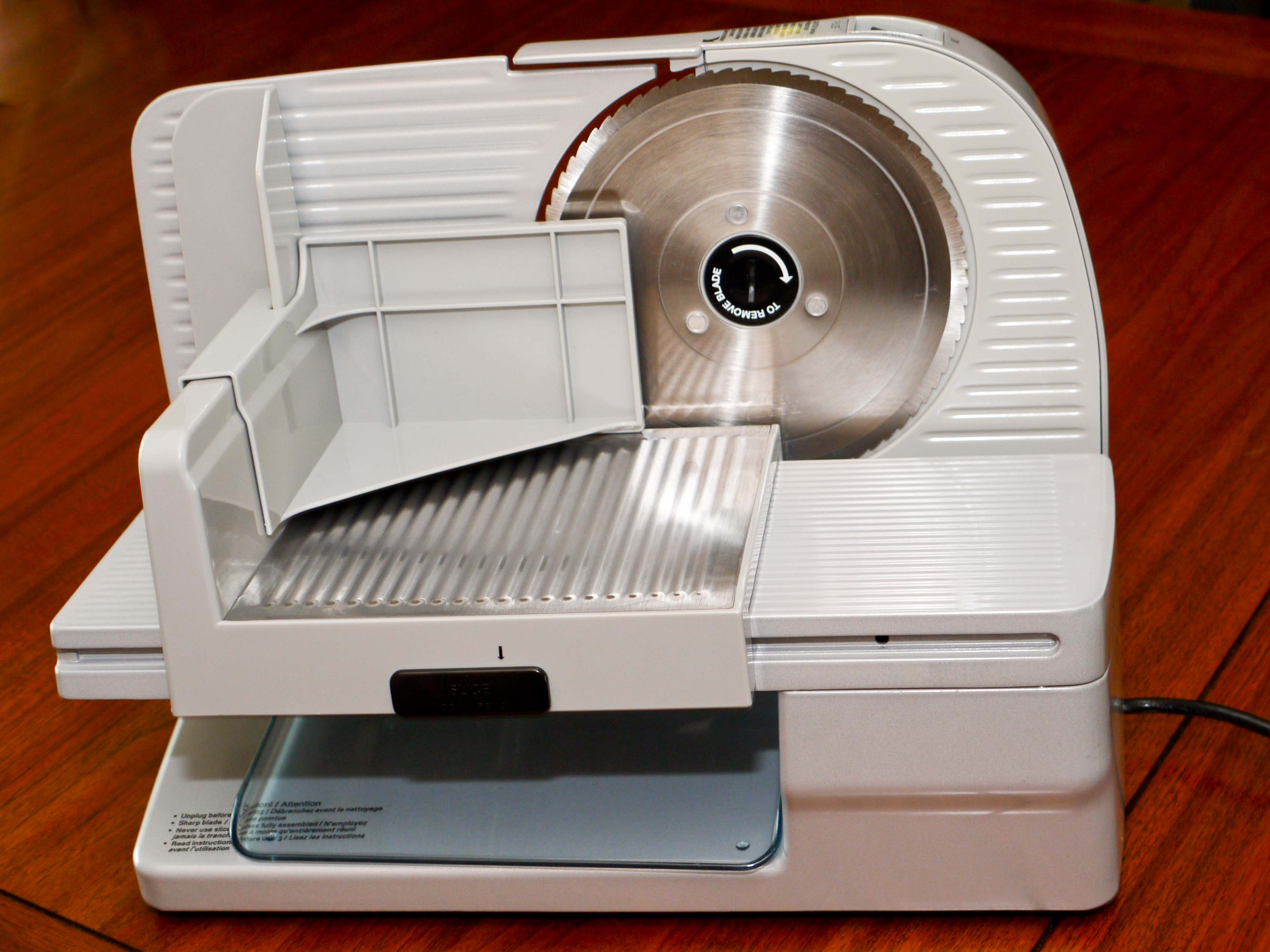 CHEF S CHOICE PREMIUM ELECTRIC FOOD SLICER MODEL 610