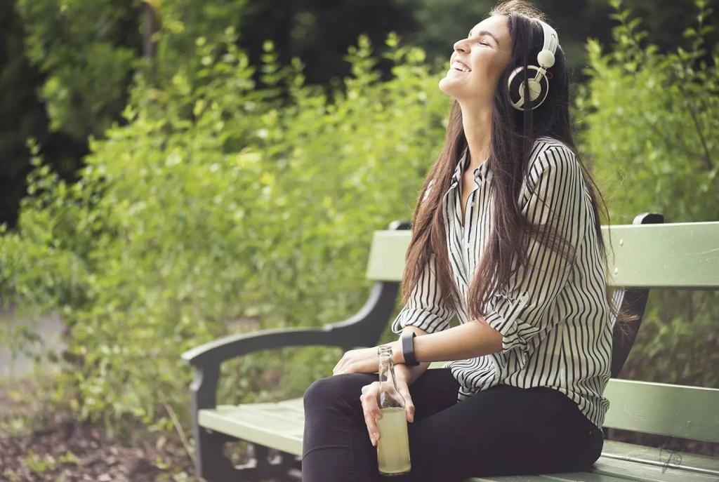 Musik ist aus meinem Leben nicht wegzudenken und begleitet mich auf Schritt und Tritt!