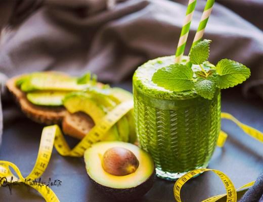 So lecker könnte Dein grüner Smoothie theoretisch aussehen – Serviervorschlag ;)