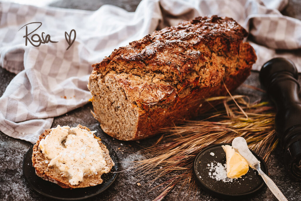 Wholemeal Spelt Bread with Seeds and Carrots