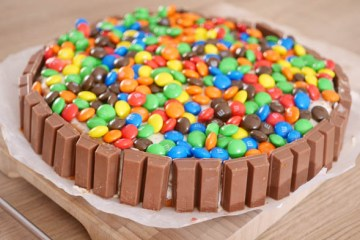KitKat M&M taart   Foodaholic.nl