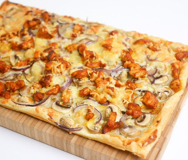 Plaattaart met kipshoarma en champignons | Foodaholic.nl