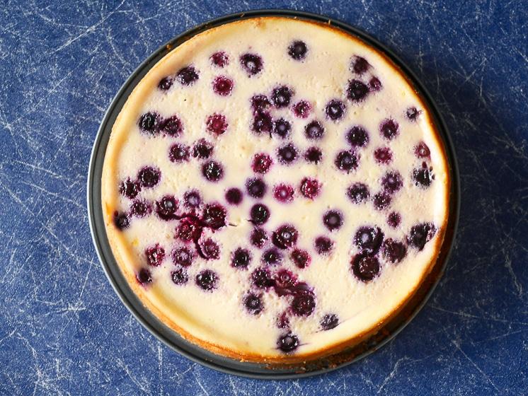 Cheesecake met blauwe bessen | Foodaholic.nl