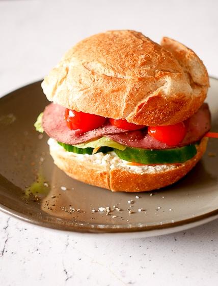 Broodje rosbief uit 'Recepten voor elke dag'   Foodaholic.nl
