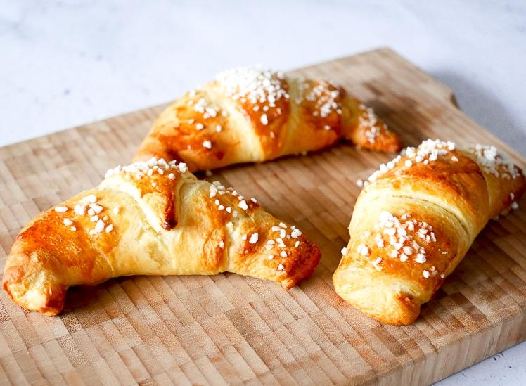 Croissants gevuld met appel | Foodaholic.nl