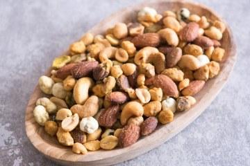 Notenmix om mee te borrelen | Foodaholic.nl