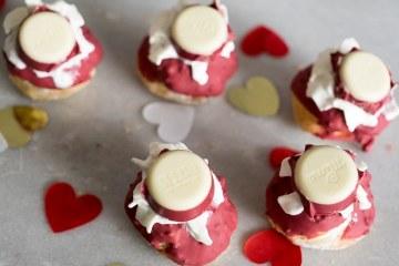 Valentijn red velvet soesjes | Foodaholic.nl