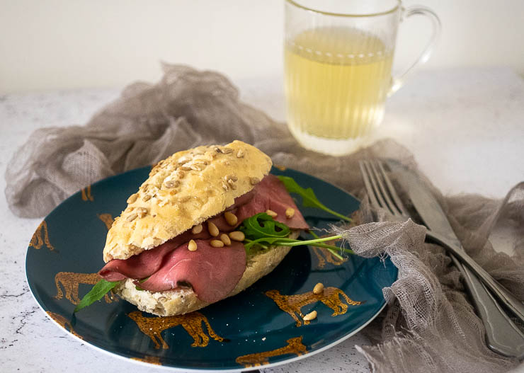 Broodje met rosbief | Foodaholic.nl