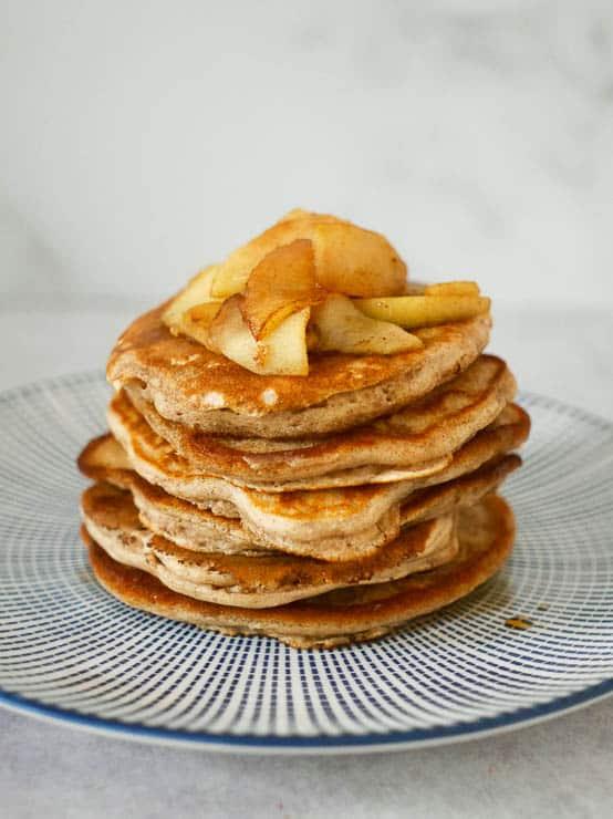 American pancakes met appel en kaneel | Foodaholic.nl
