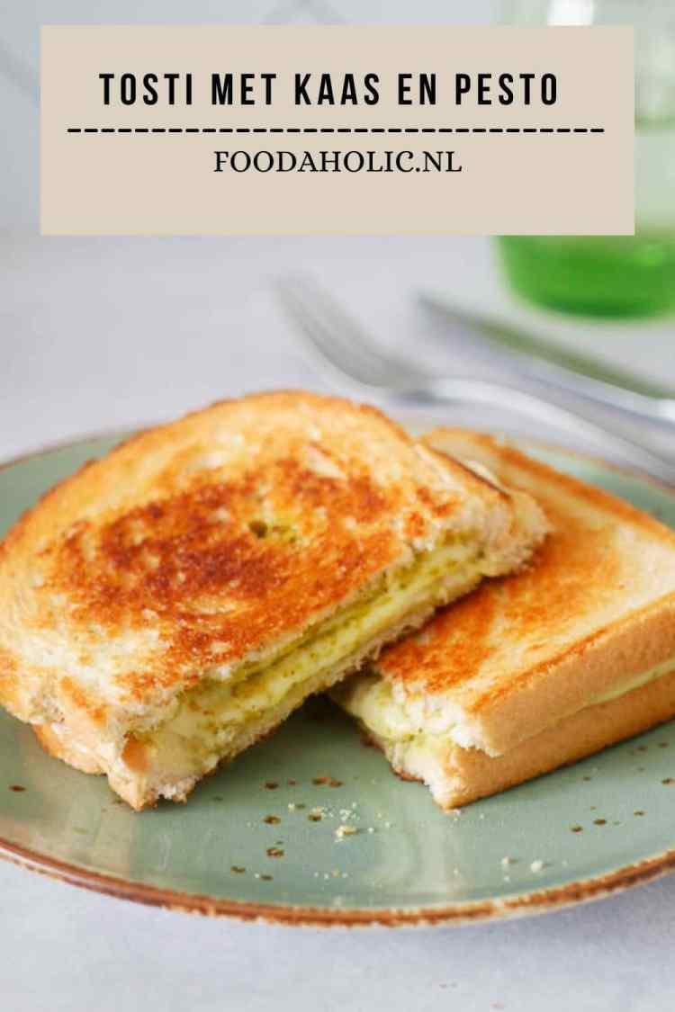 Tosti met kaas en pesto - pienterst | Foodaholic.nl