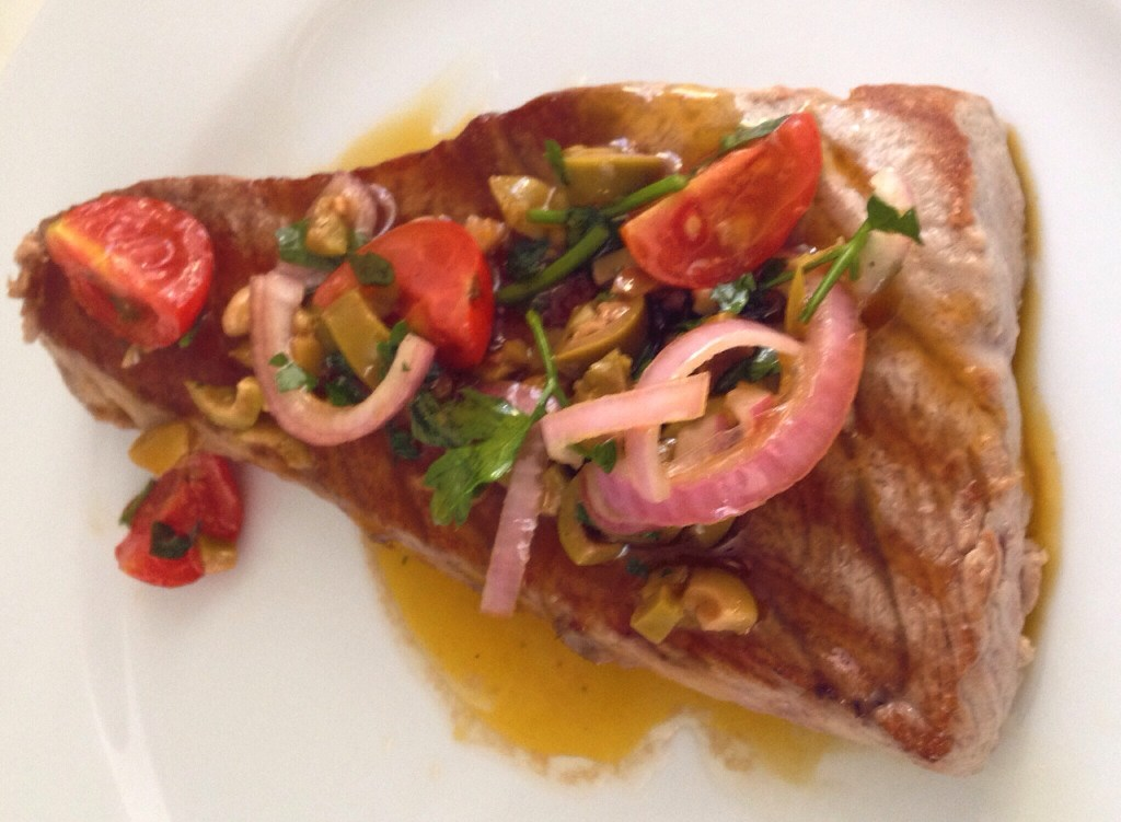 Recipe 6: Tuna with a Mediterranean salsa