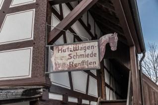 Das alte Schild der Schmiede. Damals Huf- und Wagenschmiede