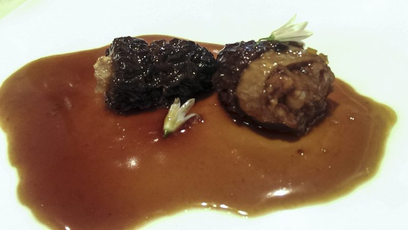 Morels stuffed with partridge