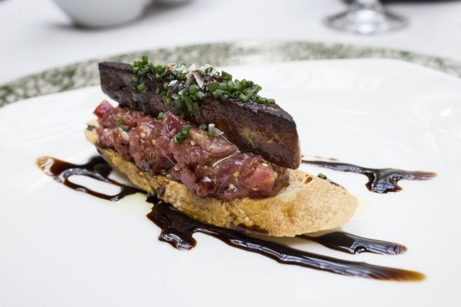 Tragaluz steak tartare